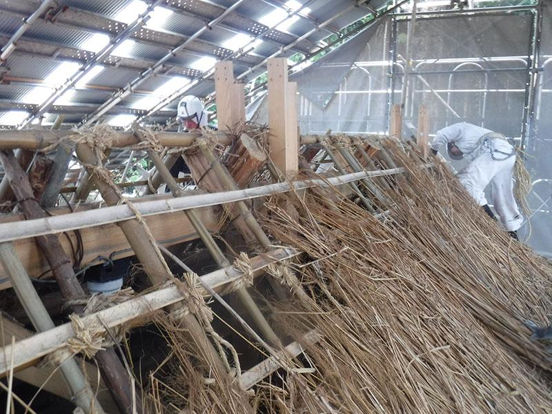茅葺き屋根 解体